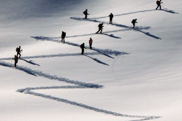 La regolarità e l'astrattezza nelle tracce di salita nello sci alpinismo