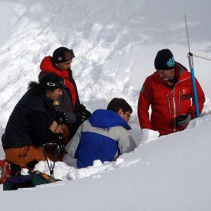 L'analisi del manto nevoso durante il corso di neve e valanghe