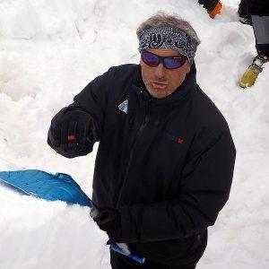 Il test del blocco dell'ECT (extended column test) spiegato durante il corso neve e valanghe