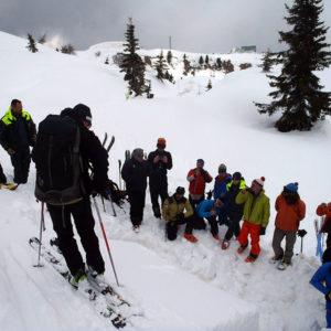 L'ingresso nel blocco di slittamento durante il corso di neve e valanghe