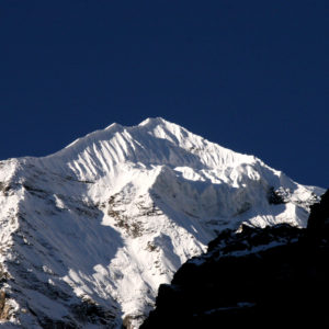 Nepal, trekking del Santuario dell'Annapurna. Dal Campo Base vista verso lo Hiun Chuli
