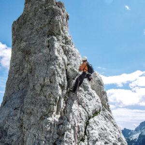 Alpi Giulie, la prima calata dall'inconfondibile Ago di Villacco