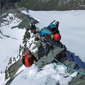 La placca del passo chiave lungo la Studlgrat verso la cima del Grossglockner