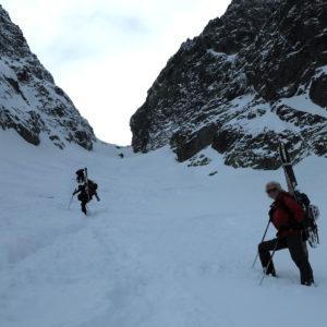 Risalendo il Colle Zawrat negli Alti Tatra