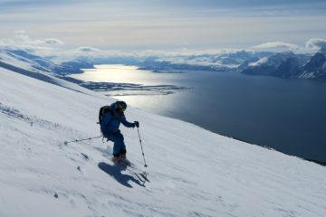 Sciando in Norvegia con i fiordi come panorama