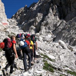 Salendo dal Rifugio de Gasperi verso Torre Sappada nelle Dolomiti Pesarine