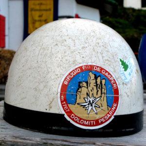 Casco storico del Rifugio de Gasperi nelle Dolomiti Pesarine