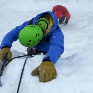Durante il corso di Alta Montagna provando tecniche di arrampicata con acquasantiera