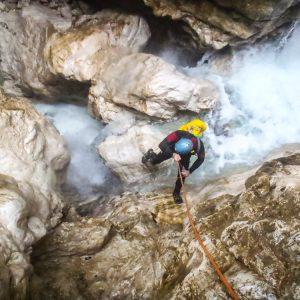 Canyoning nelle Prealpi Giulie lungo il rio Simon in Val Fella