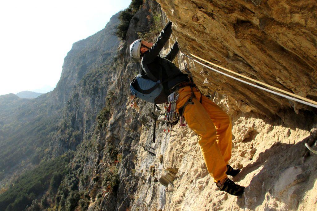 Arrampicando a Arco, nella Valle del Sarca