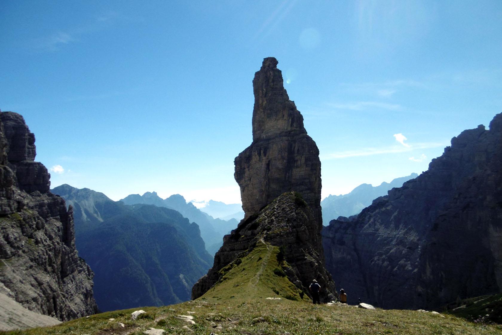 L'incredibile pinnacolo del Campanile di Val Montanaia nelle Dolomiti Friulane