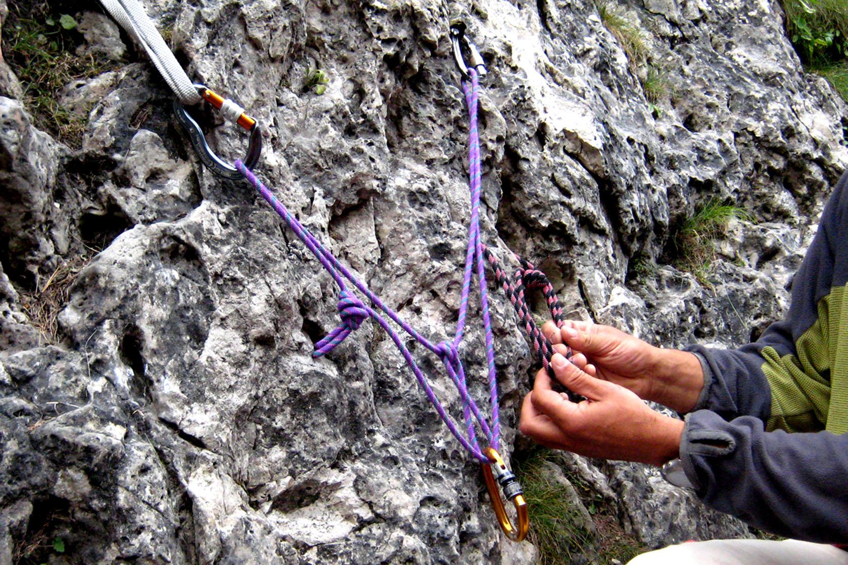 Manovre di corda durante stage e corsi di alpinismo