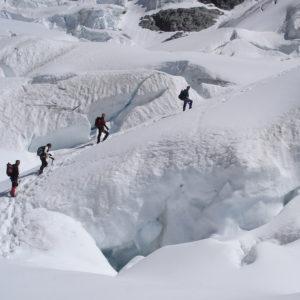 Salendo al Rif Gonella nel Monte Bianco