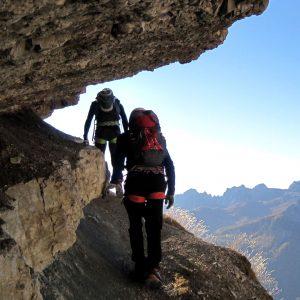 Le colorate cengie del Sentiero Astaldi nelle Dolomiti di Cortina