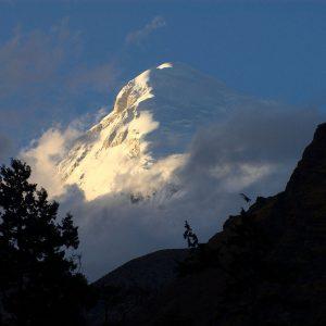 Le cime dell'Himalaya durante il trekking in Bhutan