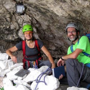 Il Bivacco Muschi lungo la Via di Dogna in Montasio