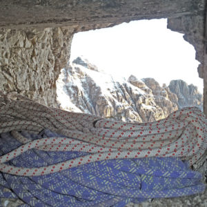 Vista sullo Jof Fuart dalla grotta sul Cregnedul