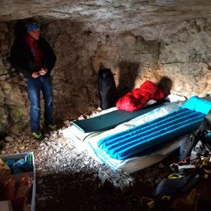 Camera da letto nella grotta del Cregnedul