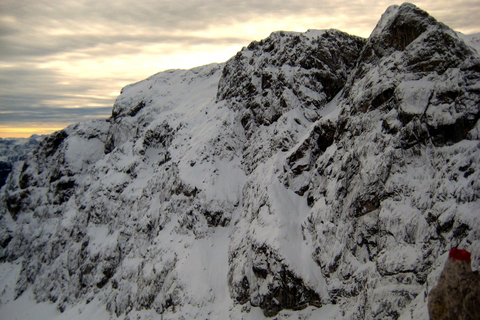 La parete nord del Cavallo di Pontebba con i pendii dove sale la Schiavi