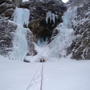 Sulla cascata di Riofreddo nell'omonima valle delle Alpi Giulie