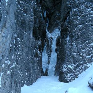 La stretta gola del ramo di sinistra della cascata di Riofreddo