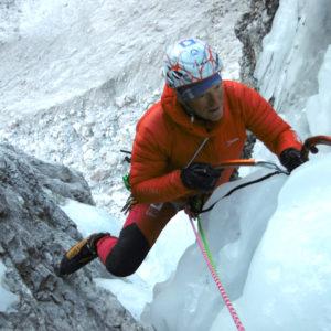 Un difficile passaggio della cascata Goulotte Tina nelle Alpi Giulie