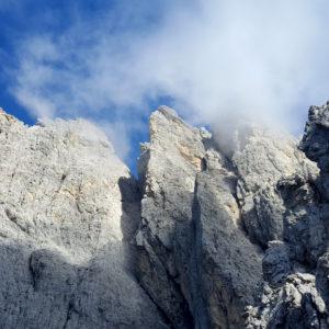 Grandiosa vista sulla Lama di Riobianco visibile dal primo tratto della Ferrata dei Cinquanta