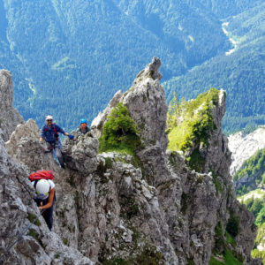 Salendo lungo la Ferrata dei Cinquanta in Val Pesarina
