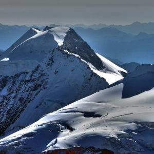 Il Piz Palù visto dalla vetta del Piz Bernina