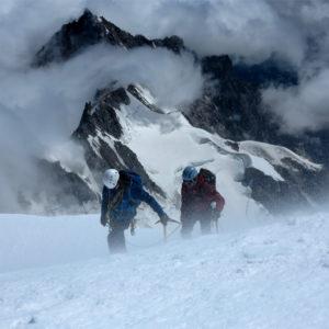 Vento in quota salendo il Monte Bianco